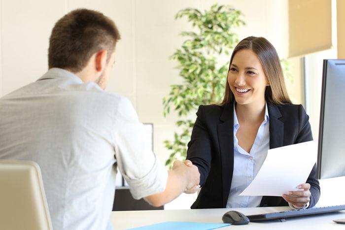 Guia Simples para fazer o seu Currículo Profissional em 5 passos